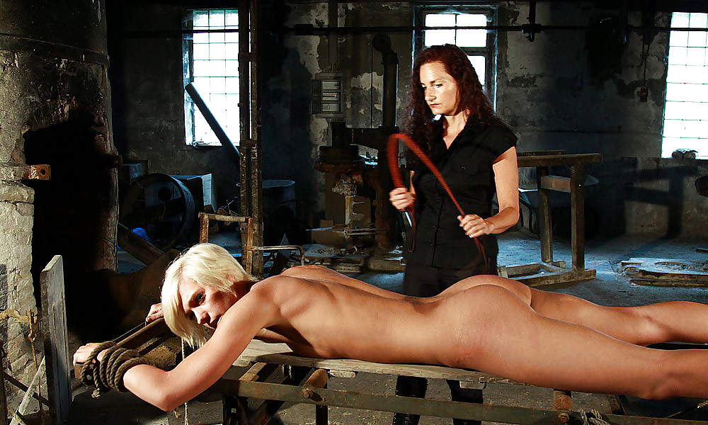 Niesha recommends Lesbian strapon hot chick
