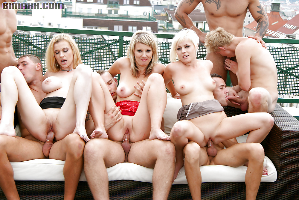 Isa recommends White milf gallery