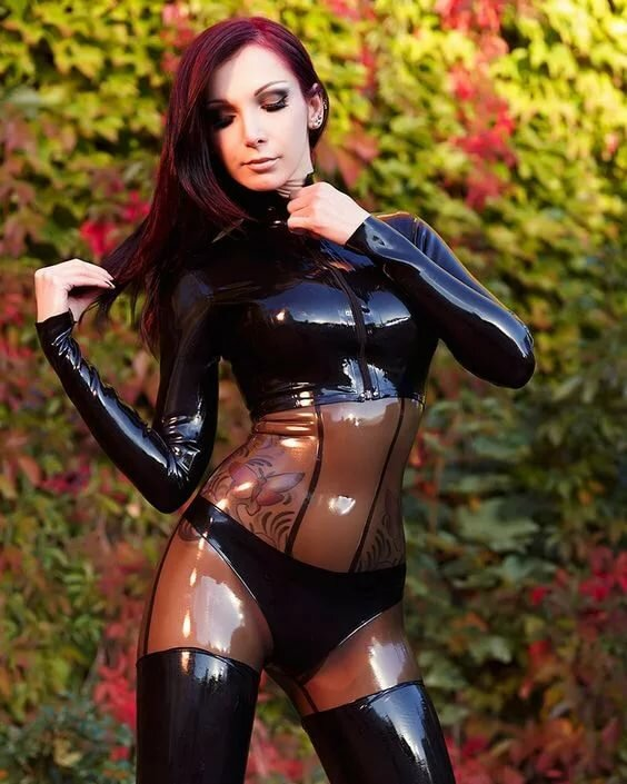 Nghe recommends Amatuer male domination video