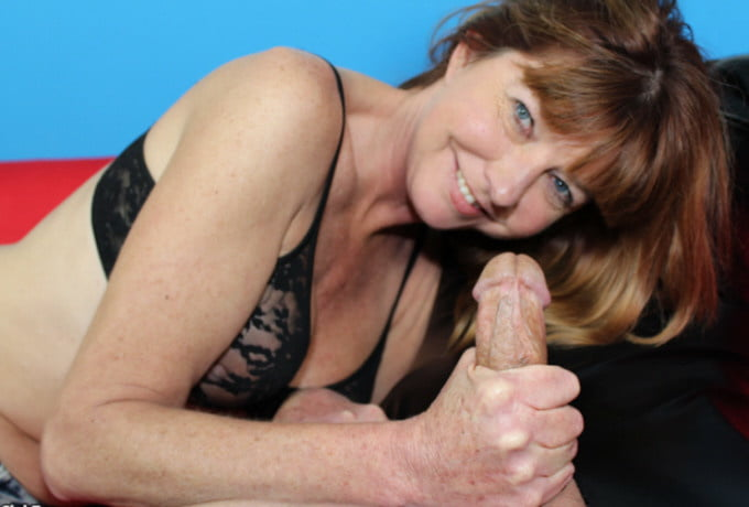 Kenyetta recommends Huge cock shemales fucking