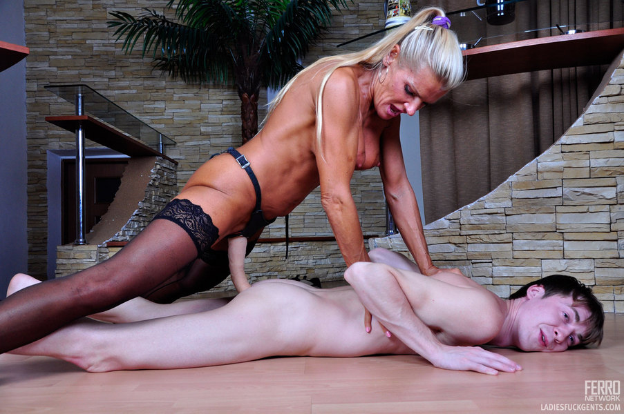 Lyndsay recommends Mila foxville threesome
