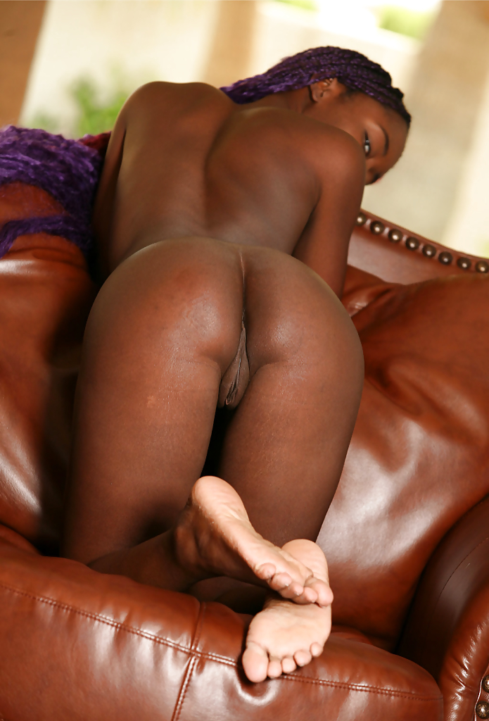 Bessie recommends Puttin on pantyhose