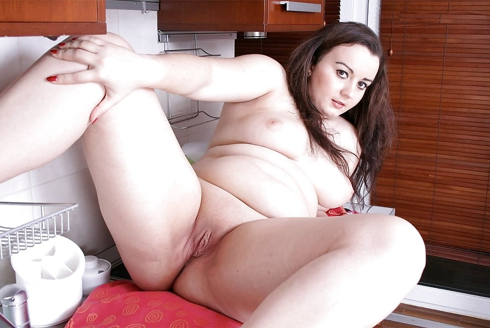 Gavin recommend Sexy naked brunette pics