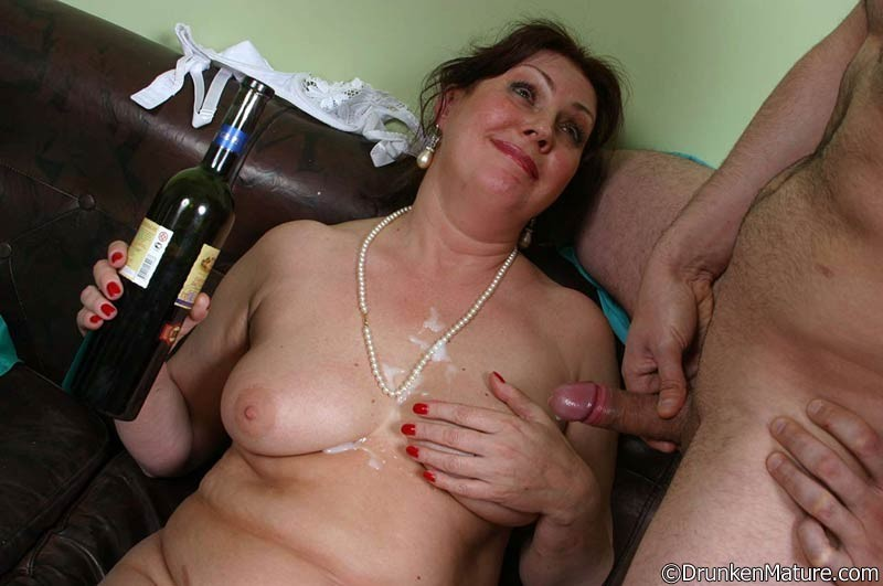 Joanie recommends Multiple naked women pics