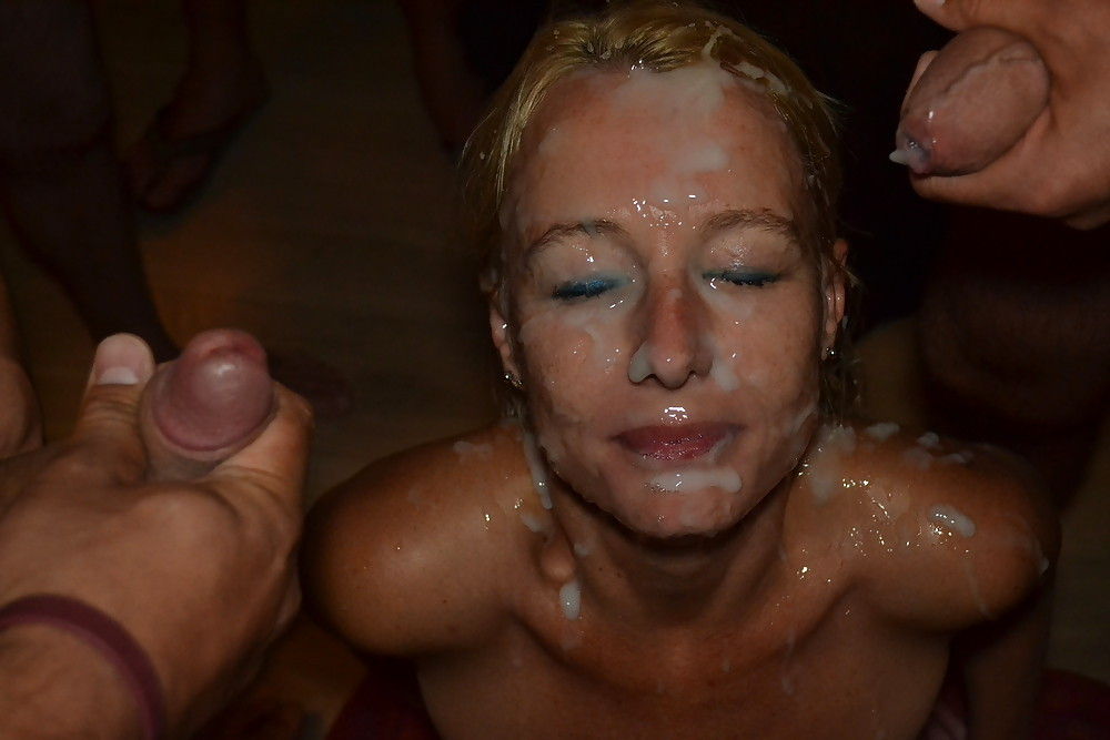 Mana recommend Bath com free in pic pussy shaved