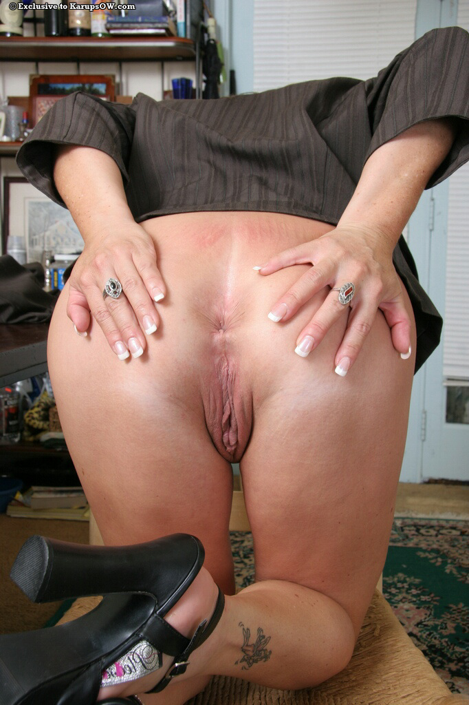 Tamra recommends Handjob under table in classic